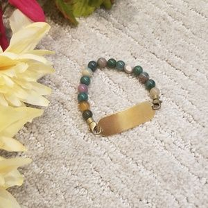 Jewelry - Jade bead and gold bar bracelet